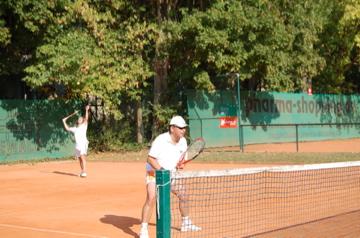日曜もテニス!(素晴らしきクラブライフ)_c0180686_4123049.jpg