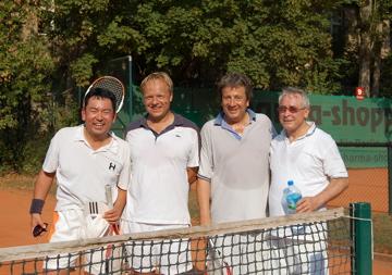 日曜もテニス!(素晴らしきクラブライフ)_c0180686_4173674.jpg