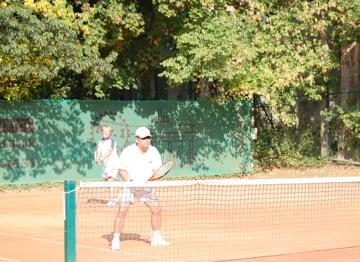 日曜もテニス!(素晴らしきクラブライフ)_c0180686_485583.jpg