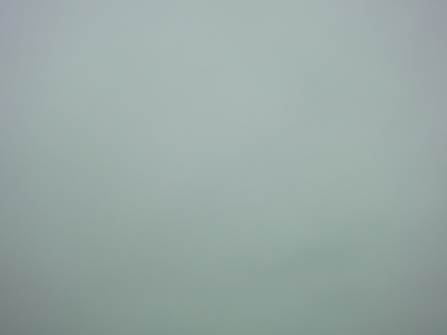「曇り空」_e0051174_6421660.jpg