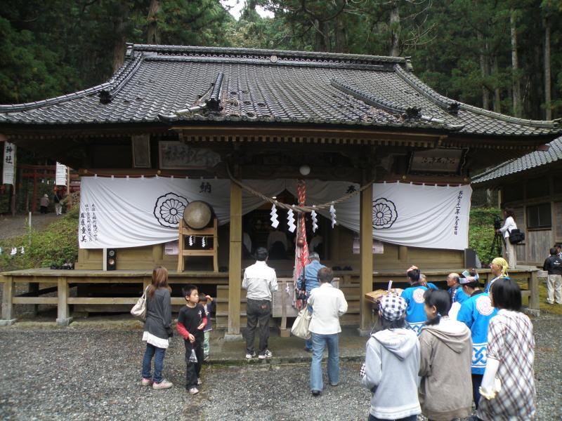 六神石神社例祭_f0075075_1145748.jpg