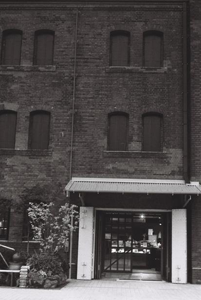 Yokohama red brick warehouse, mono #2_e0174281_1732157.jpg