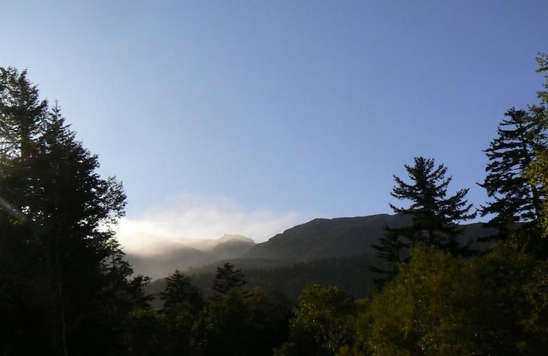 秋の十勝岳連峰(その1)_b0068572_20445772.jpg