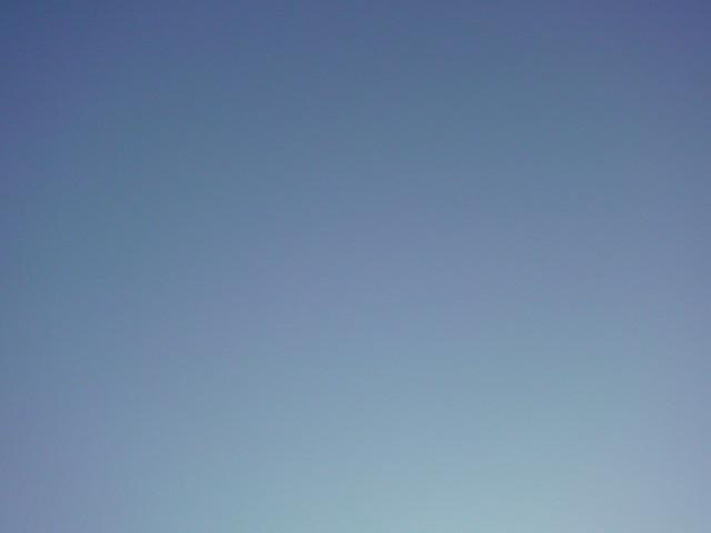 「雲ひとつな青空!」_e0051174_619546.jpg
