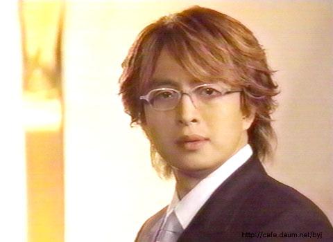 ヨン様は、10月2日まで、日本に滞在~?_d0060693_2053974.jpg
