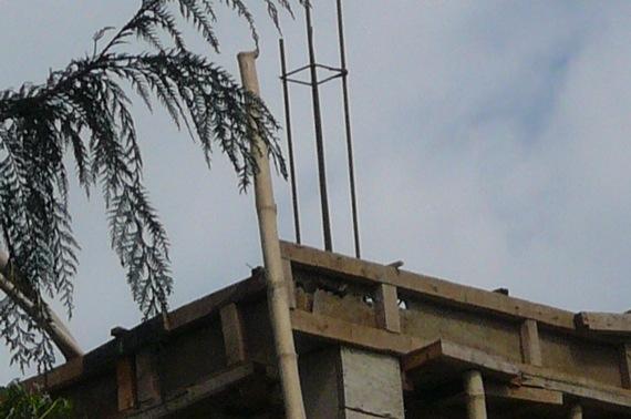 21日ブータンの地震_e0054299_17154579.jpg