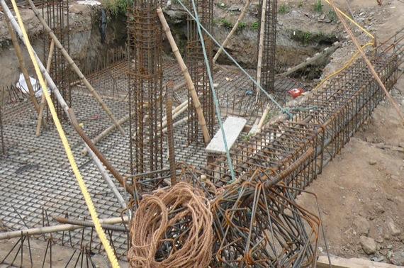21日ブータンの地震_e0054299_17164937.jpg