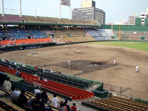 野球場はしご_a0047200_2054434.jpg