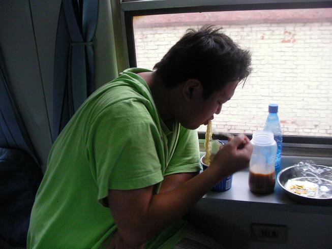 電車移動<湖南省長沙駅⇒北京西駅>_b0183063_7393488.jpg