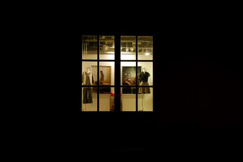 秋の夜のショッピングモール_e0152866_7401118.jpg