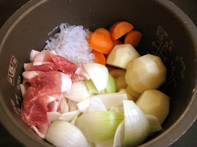 炊飯器 de 肉じゃが_a0008185_1056993.jpg