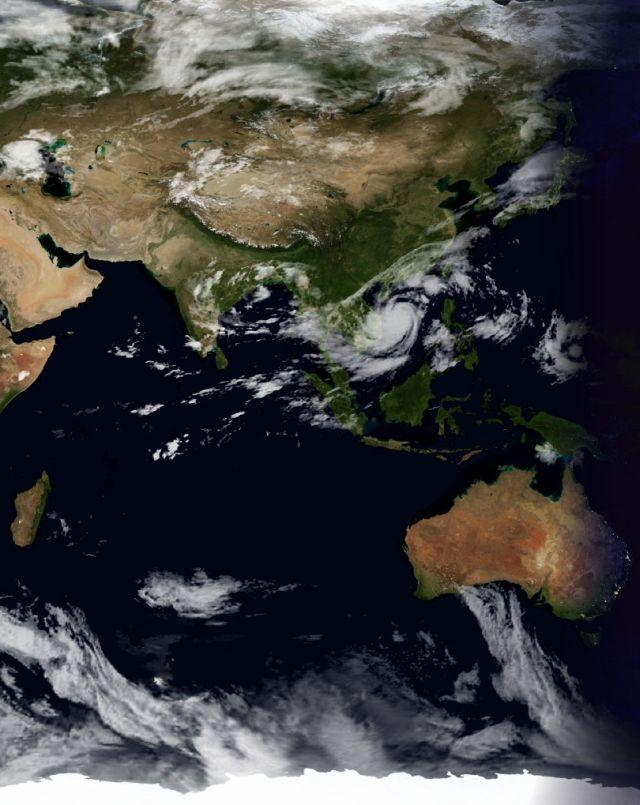 台風16号はベトナム沖_c0025115_19393877.jpg