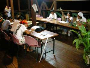 琉球大学前期集中授業「インタープリテーション論」初日_f0121321_2284191.jpg