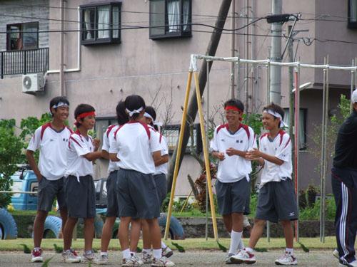 諸鈍小中学校「大運動会」、赤組頑張れ(った)! その2_e0028387_13404255.jpg