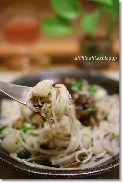 あさりと根菜ときのこのライスパスタ_f0179404_2046427.jpg