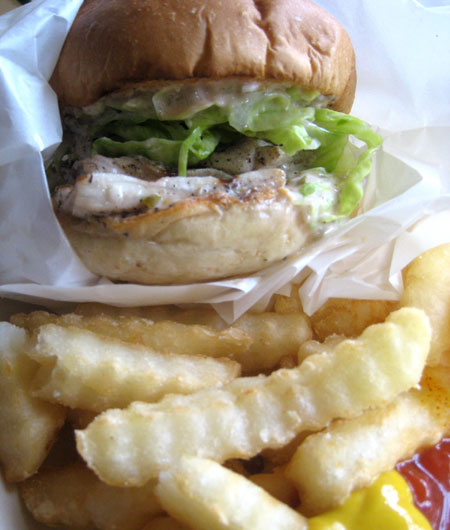 johnny\'s JAWAIIAN BURGER_c0089242_13102697.jpg