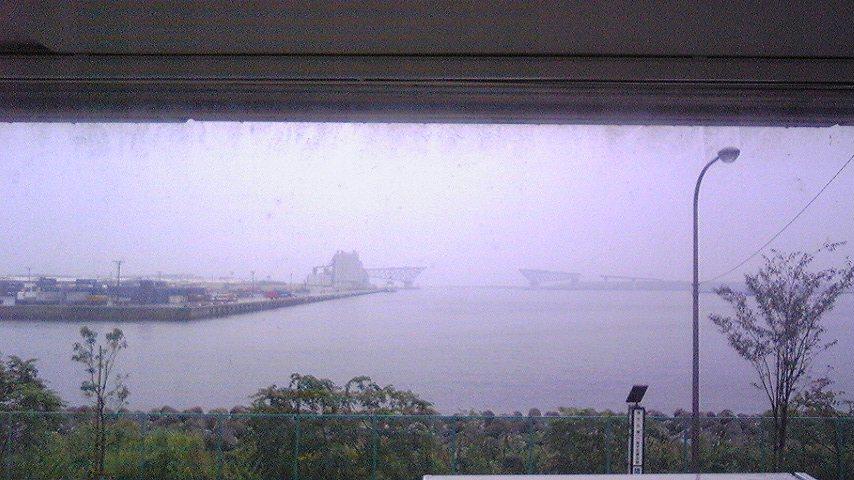 窓から見える景色_f0195703_12121640.jpg