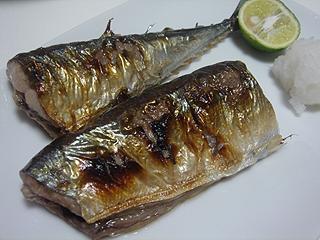 秋刀魚の塩焼き_c0025217_2347263.jpg