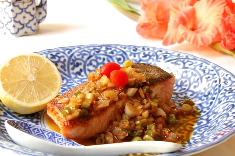 激ウマ!鮭の薬味たっぷり豆板醤ソース_d0104926_2223647.jpg