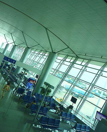 秋の光。。。ホーチミン空港でティータイムをご一緒くださいね。。。* *。:☆.。†_a0053662_10585634.jpg