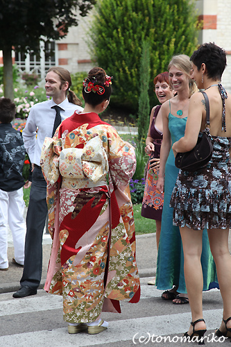 みんなで着物! フランスの結婚式_c0024345_5201768.jpg