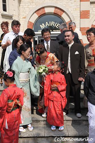 みんなで着物! フランスの結婚式_c0024345_5213544.jpg