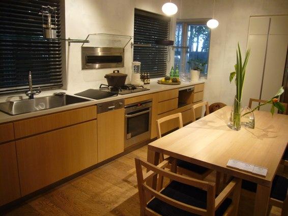 ワイス・ワイスとチェコ料理店「カフェano」_a0116902_1028450.jpg