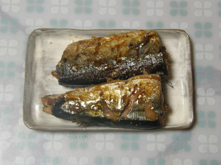 渋皮煮と秋刀魚の甘露煮_e0094102_9215221.jpg
