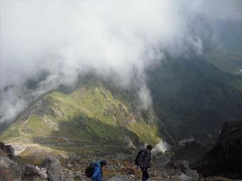 焼岳へ登頂(後編)_e0008704_1104561.jpg