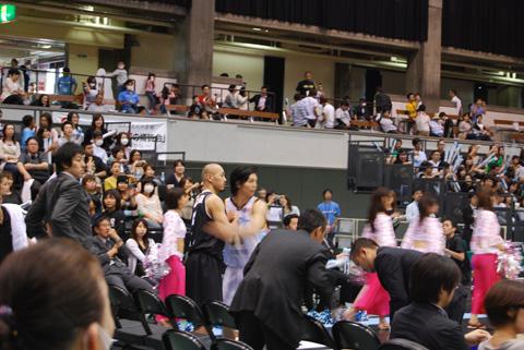 BJリーグ京都で開幕。_e0170538_21531634.jpg