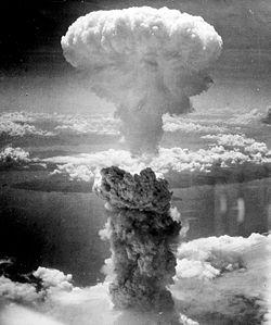 いよいよ10月9日、月の南極に水爆が突っ込む!!_e0171614_119667.jpg