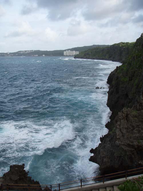 10月6日今夜ついに最接近台風18号!!_c0070933_18352338.jpg