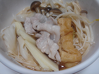豚きのこ鍋_c0025217_22422590.jpg