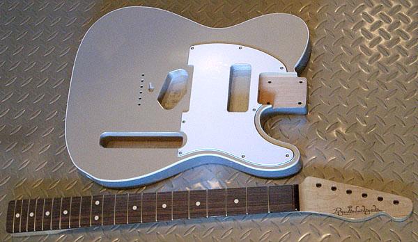 店頭販売用の「Moderncaster T #012」の塗装が完了!_e0053731_2074385.jpg