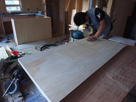 内原の家 キッチンカウンター造作工事 2009/10/7_a0039934_18233349.jpg