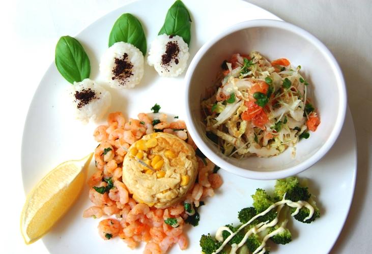 スモークサーモンと白菜のさっぱりサラダとワンプレートランチ☆_d0104926_1511246.jpg