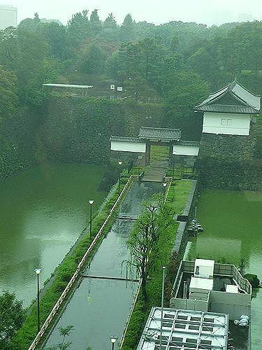嬉しい日には。。。日本橋三越のラデュレ・サロン・ド・テ。*。。。 *。:☆.。† _a0053662_12191538.jpg