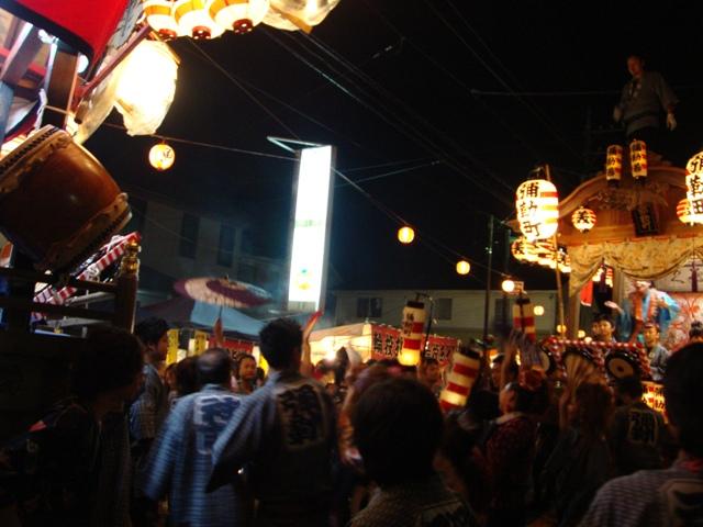 楽しいお祭りの夜_a0126590_6393092.jpg