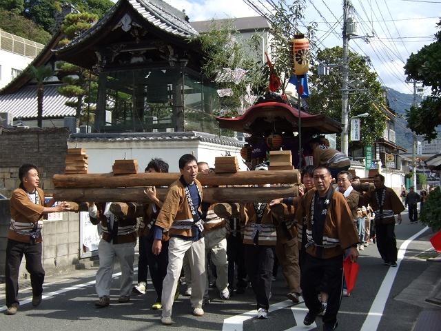 熊野神社秋季例大祭 例大祭の日の昼 新町頂戴出発_b0095061_11421792.jpg