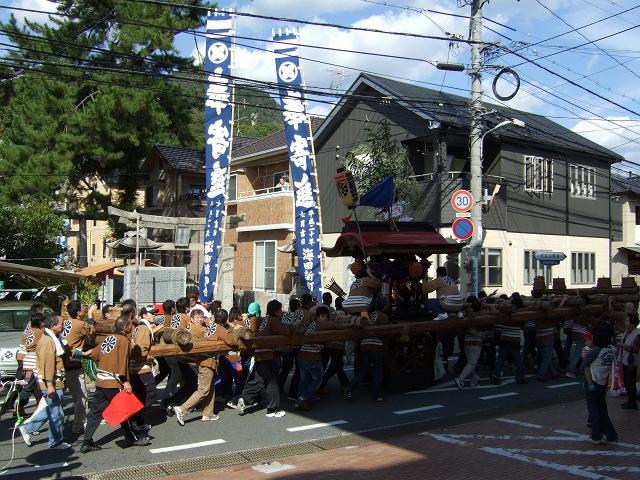 熊野神社秋季例大祭 例大祭の日の昼 新町から、熊野神社へ_b0095061_11521051.jpg
