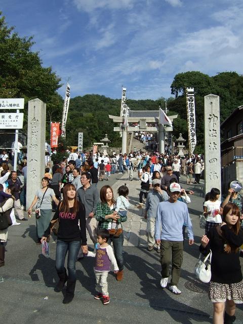 坂八幡宮秋祭 本祭 その1 曳舟奉納_b0095061_1211587.jpg