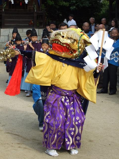 坂八幡宮 秋祭 本祭り その4 獅子舞奉納・おかめひょっとこ_b0095061_1229523.jpg