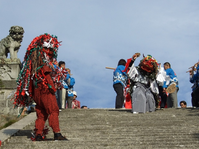坂八幡宮 秋祭 本祭り その4 獅子舞奉納・おかめひょっとこ_b0095061_1232332.jpg