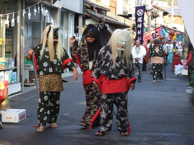 矢野尾崎神社秋大祭 その4 大祭の日の午後。神社神輿行列_b0095061_1250963.jpg