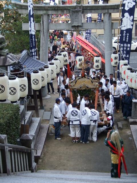 矢野尾崎神社秋大祭 その4 大祭の日の午後。神社神輿行列_b0095061_12553470.jpg