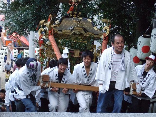 矢野尾崎神社秋大祭 その5 大祭の日の夕方。神輿到着、大祭イベント_b0095061_1311179.jpg