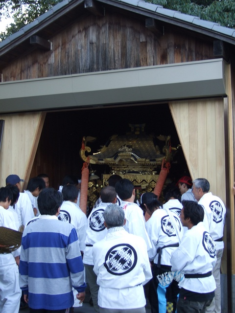 矢野尾崎神社秋大祭 その5 大祭の日の夕方。神輿到着、大祭イベント_b0095061_1325267.jpg