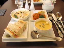 三菱一号館「cafe\'1894」で食事_d0138618_11464980.jpg