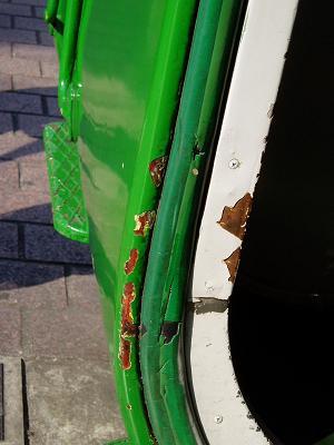 今日の東急デハ5001号の状況(53) ガラスが割られる_f0030574_1941644.jpg