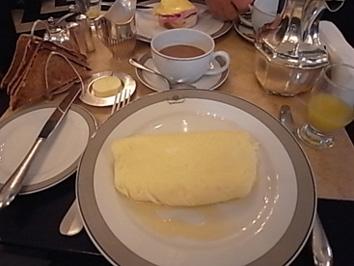 UK物語#015 ロンドンで美味しい朝食を♪@The Wolseley_b0051666_7543347.jpg
